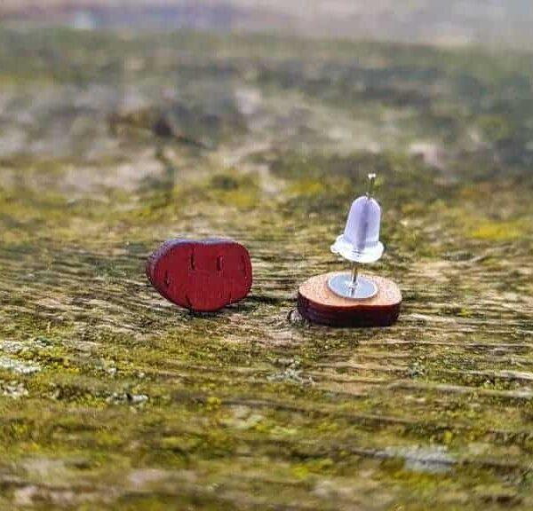 Leseni uhani v obliki krompirja - rdeči.