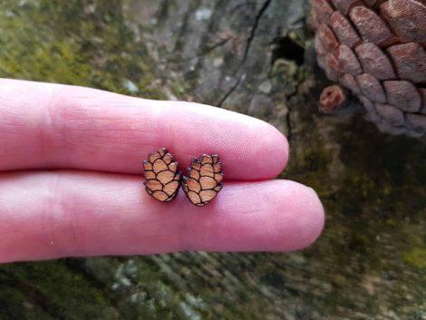PARAROK-leseni-uhani-storž-smreka-jelka (13)