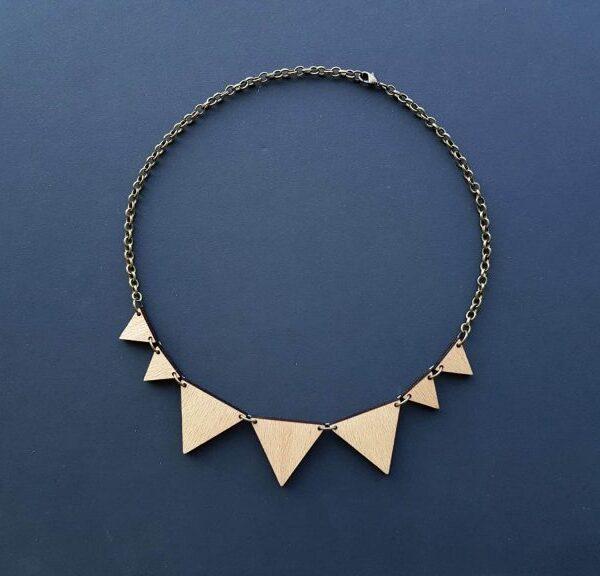 PARAROK-lesena-geometrijska-ogrlica-verižica-veriga-trikotnikov (4)